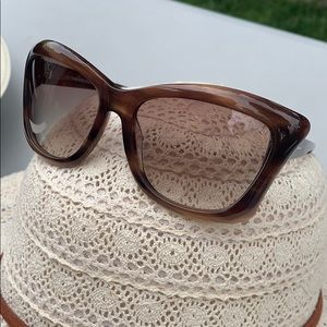 Tom Ford: Brown Sunglasses 😎